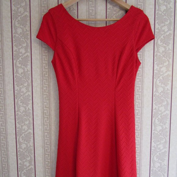 Bisou Bisou Short Red Dress A line w/ Cap Sleeve